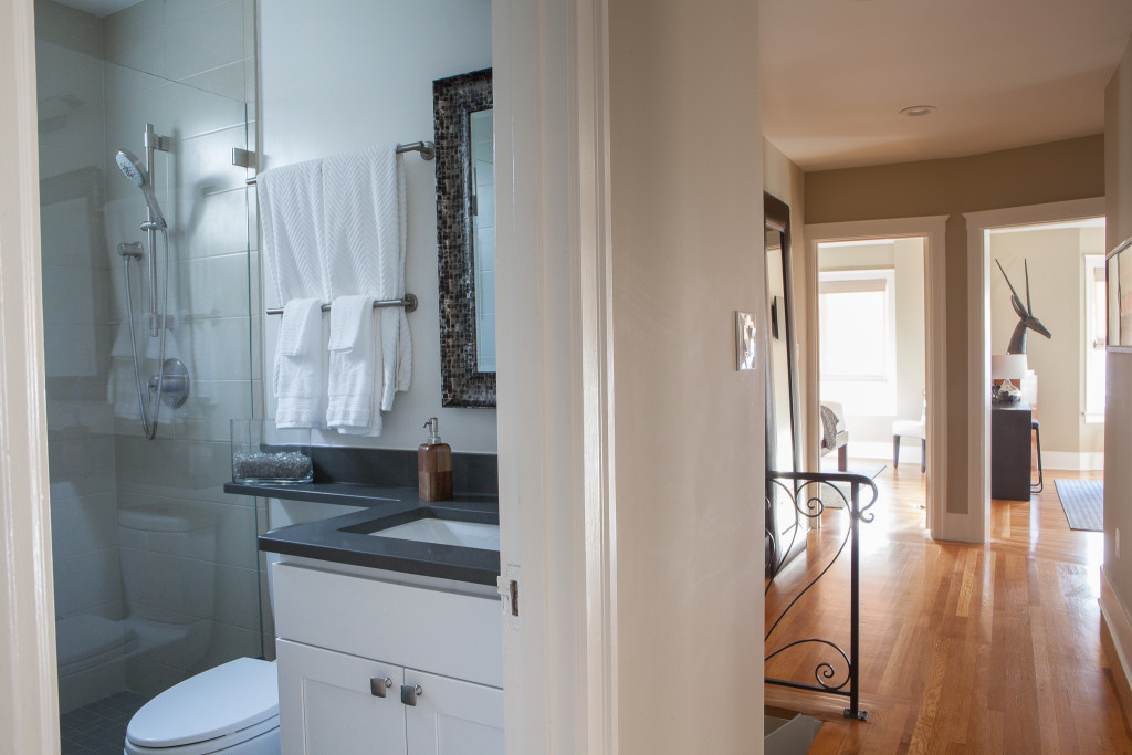 Bathroom with Hallway
